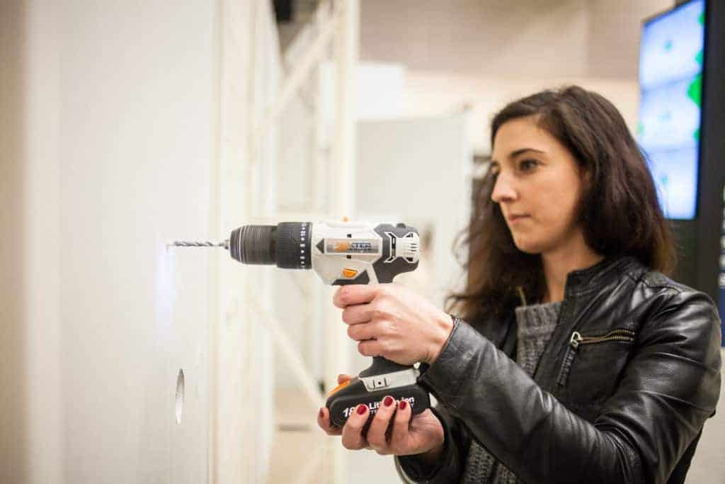 DIY - trapano - drill - woman - LeroyMerlin