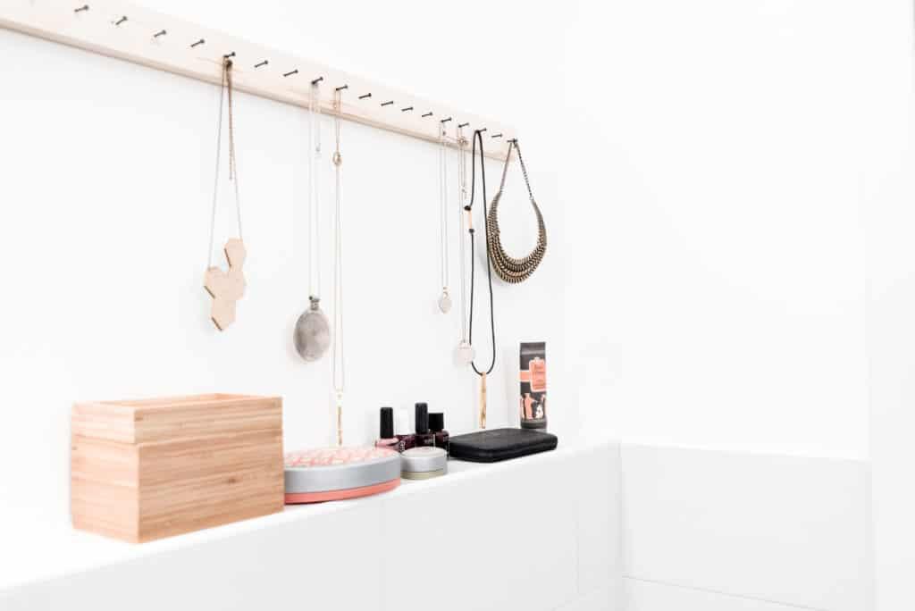 Progettazione Dinterni Fai Da Te : Porta collane fai da te tutorial diy unprogetto
