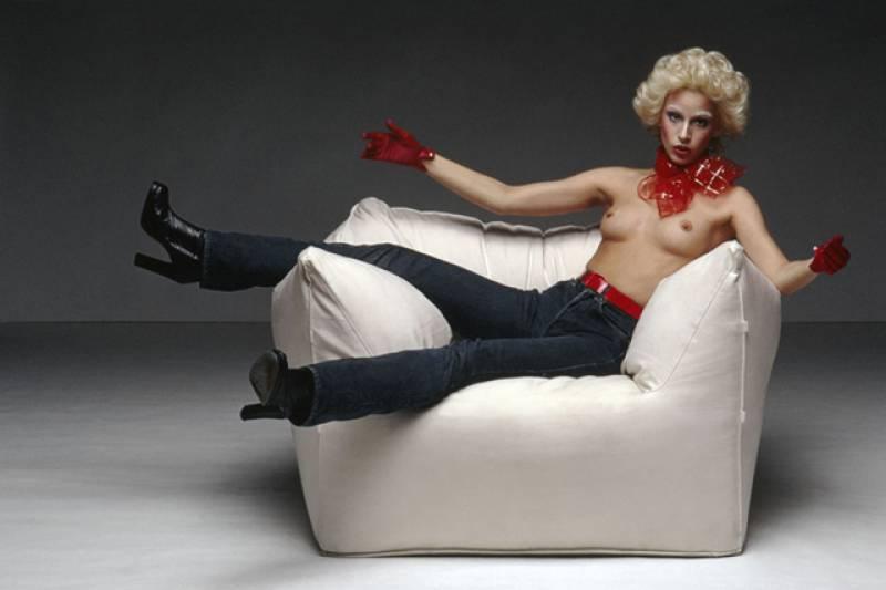 Le bambole storia divano design Mario Bellini Busnelli Toscani