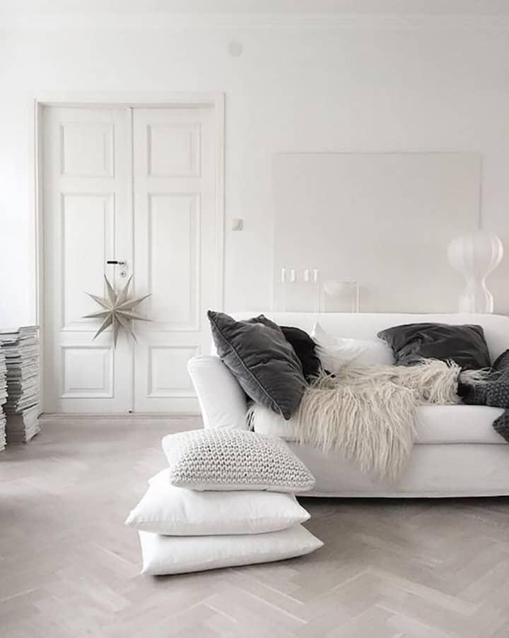 divano bianco stile boho
