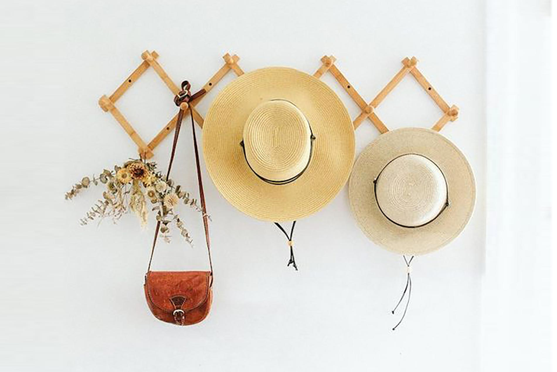 decorating with straw hats interior design