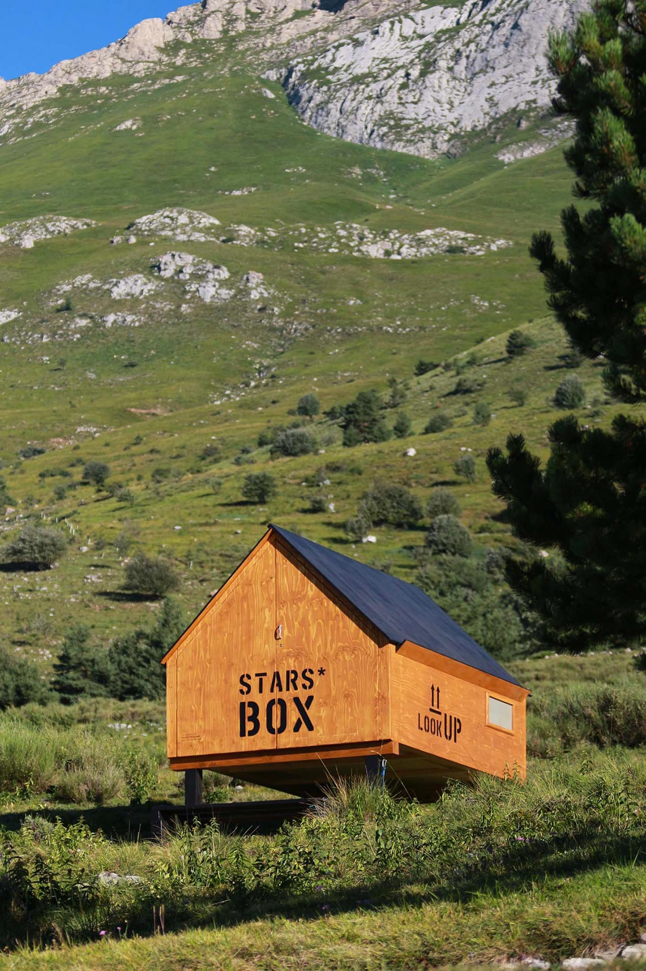 starsbox capsule mountain hotel