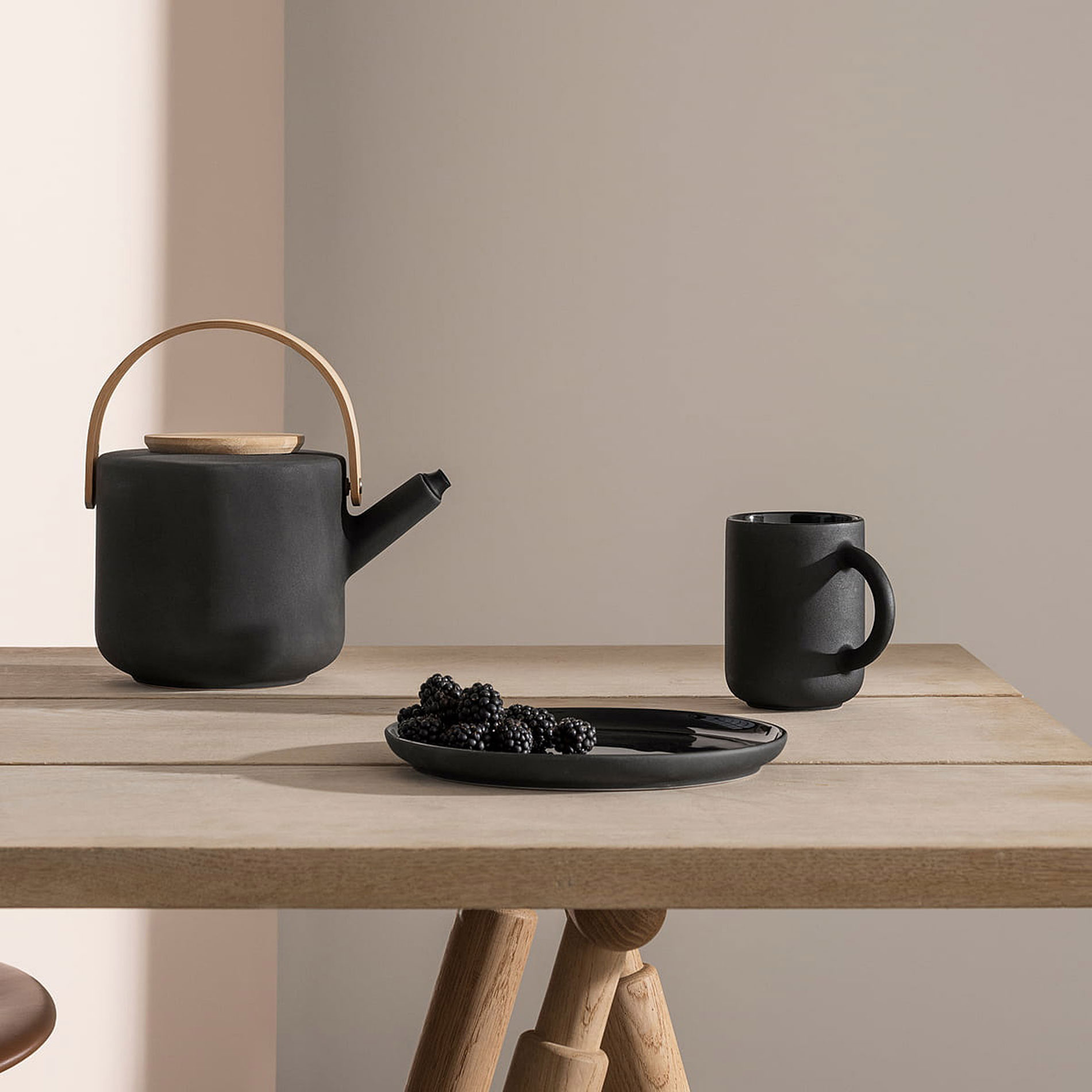 Theo Stelton design teapots living