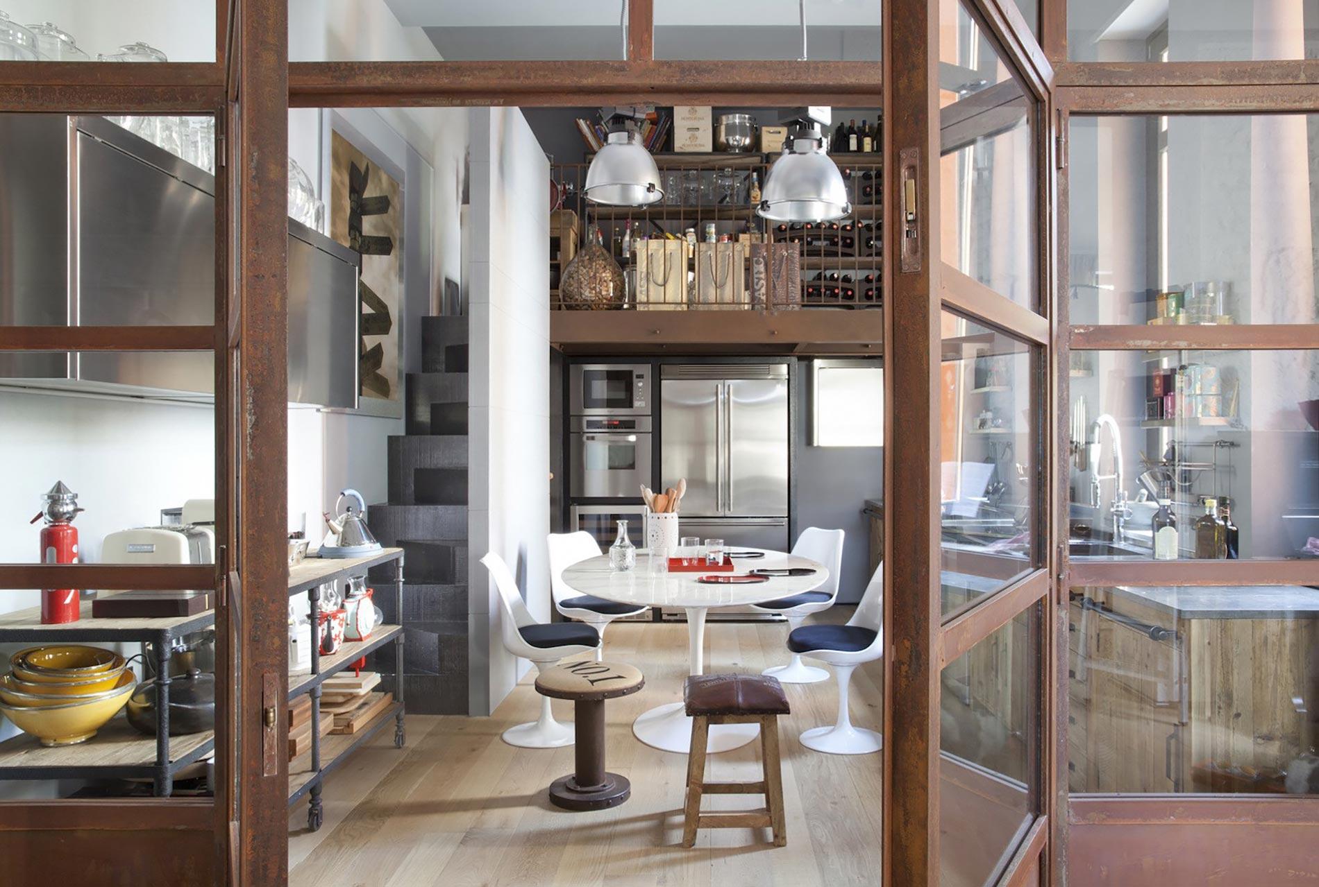 home-tour-cucina-porta-vetro