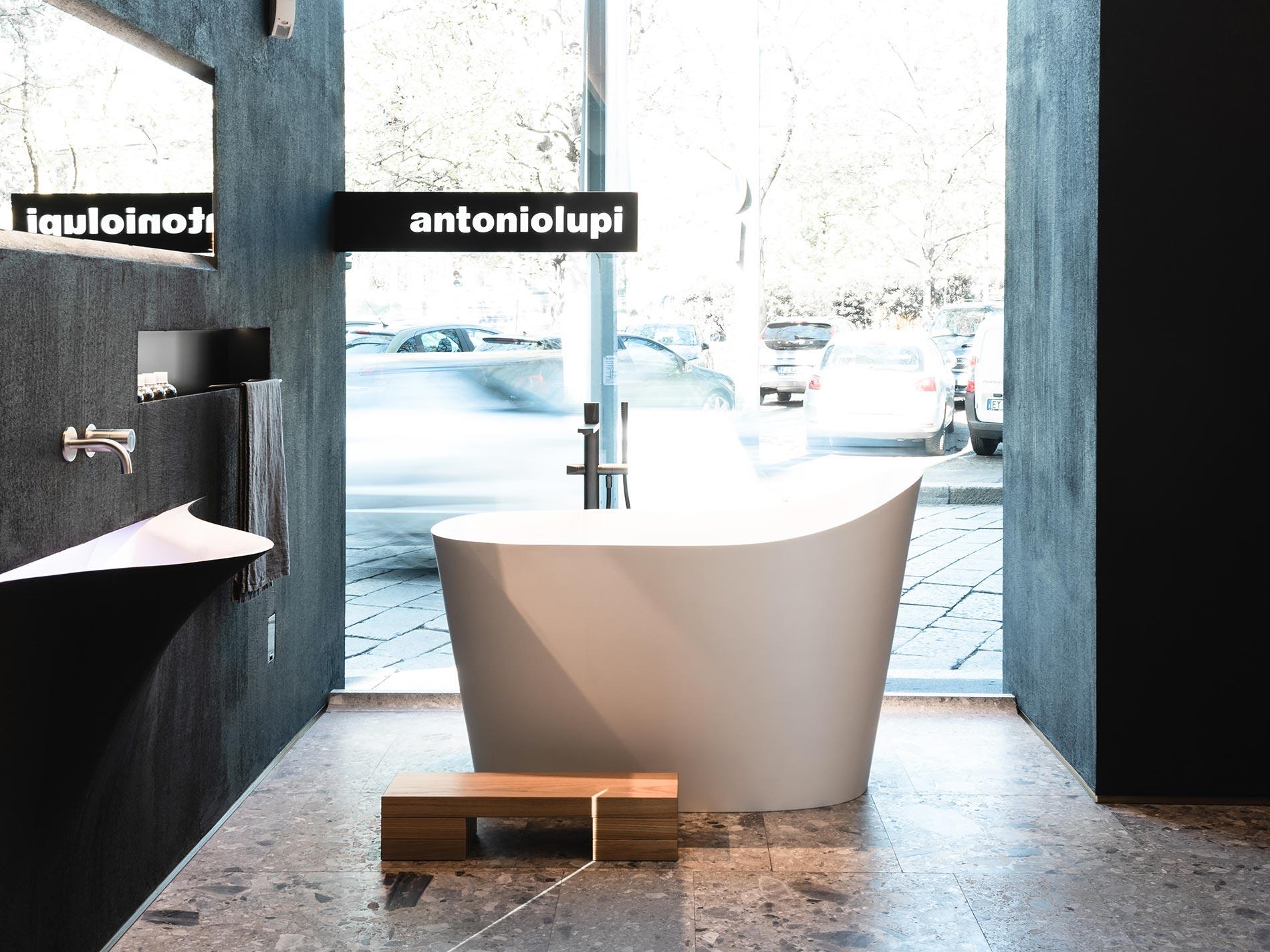 interpretazioni di una vasca freestanding, antoniolupi