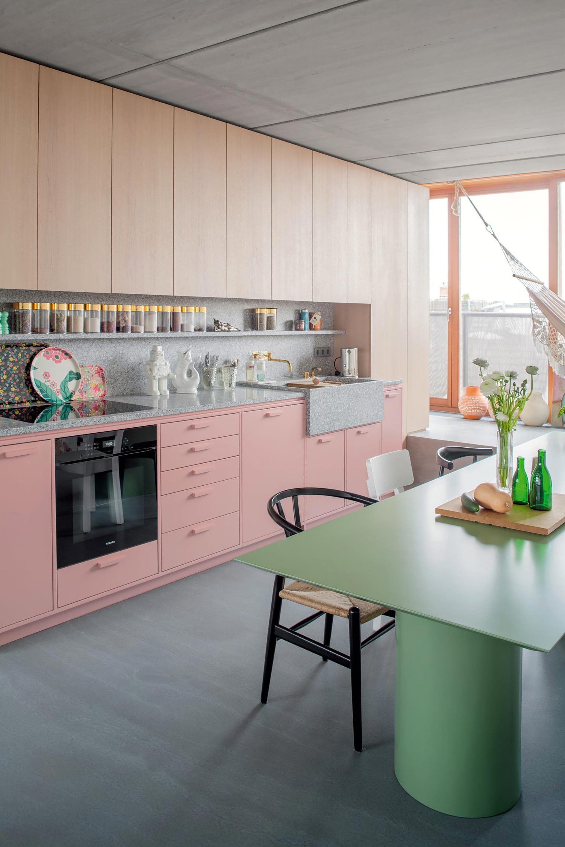 casa berlino cucina rosa