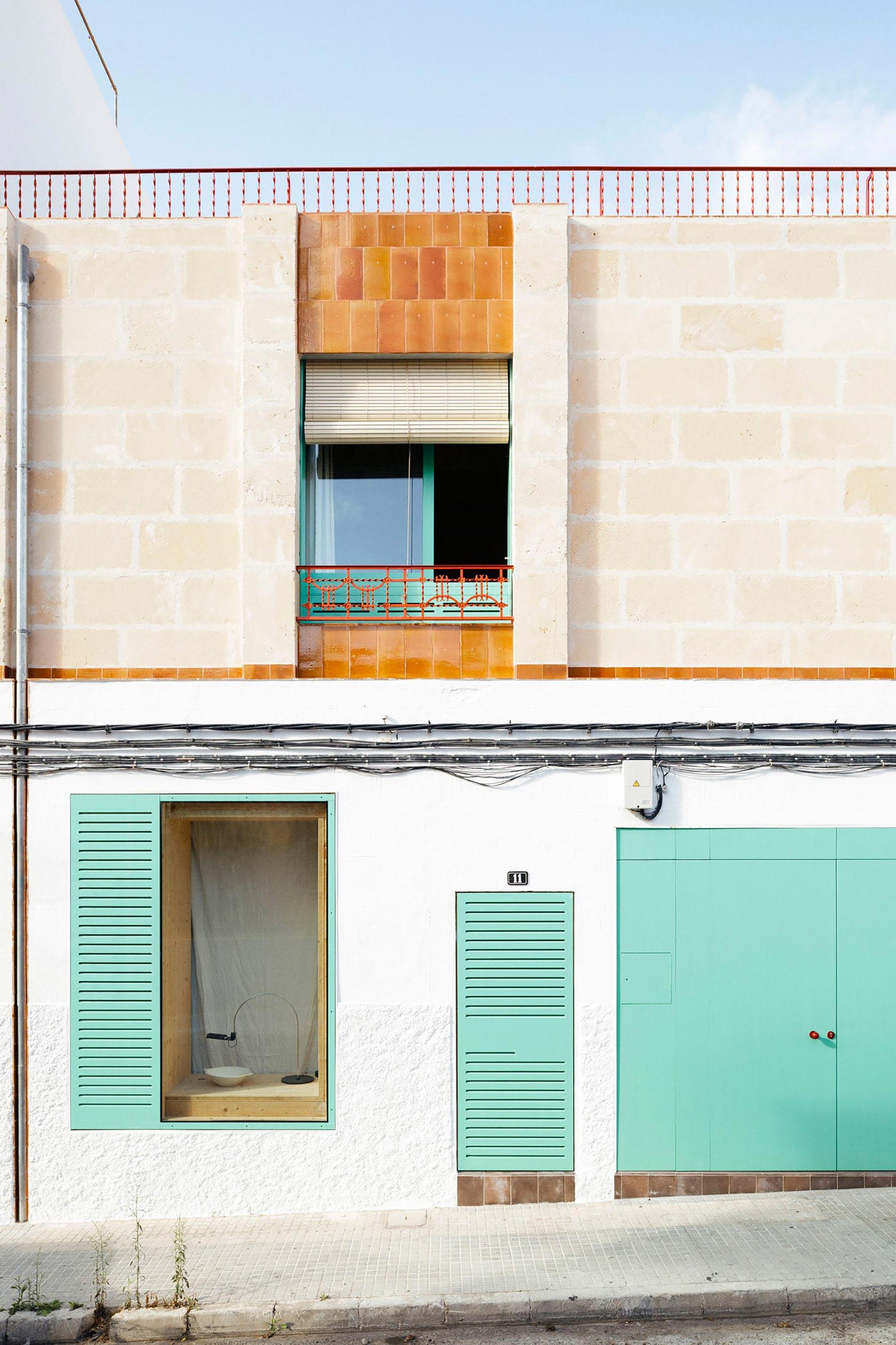 Plywood casa di legno facciata