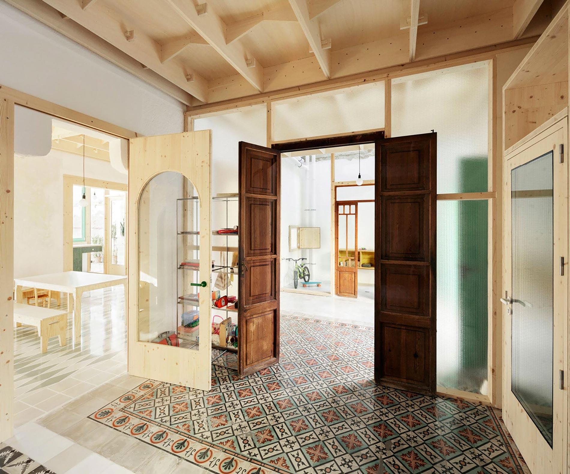 Plywood casa di legno ingresso atrio