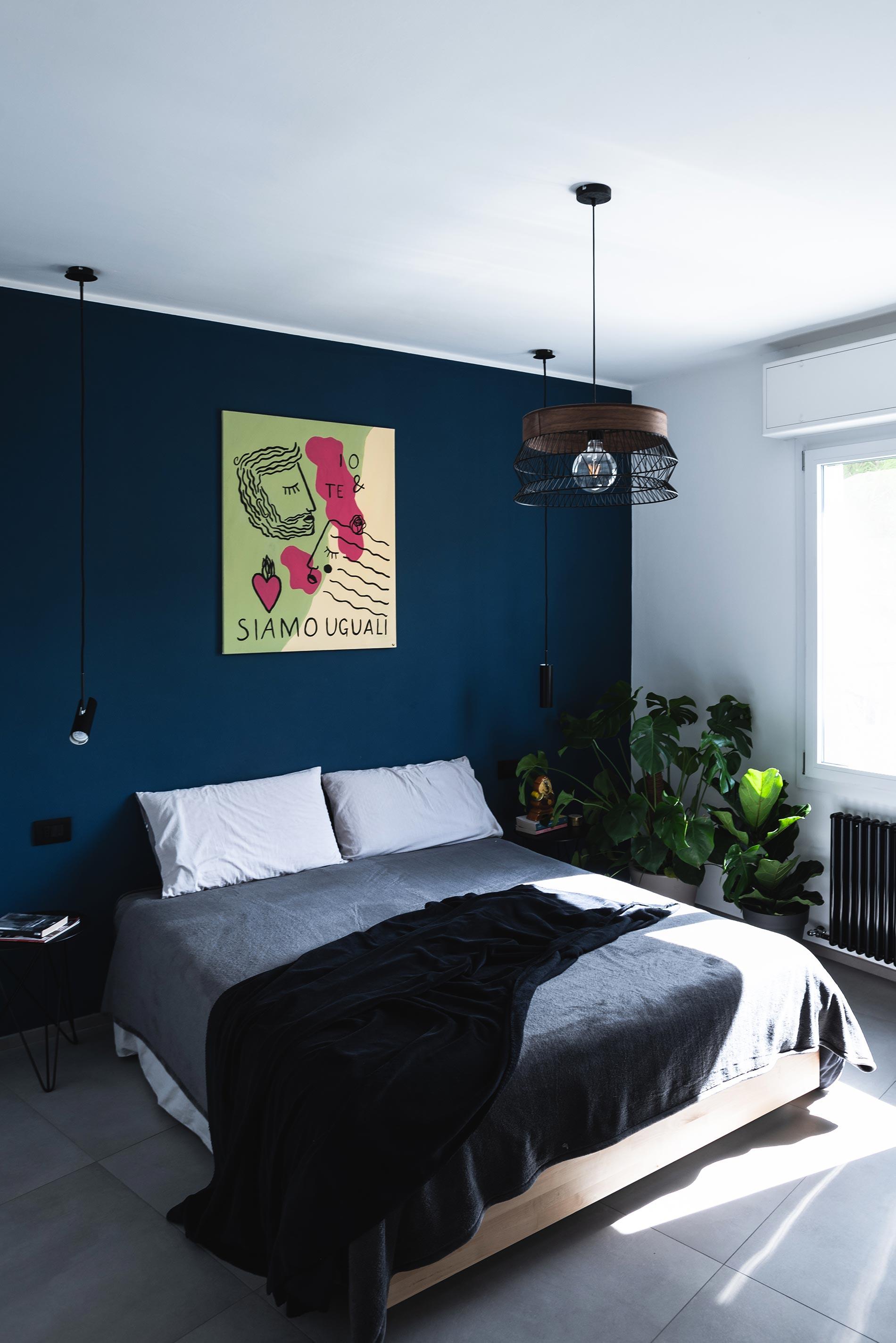 camera da letto blu design d'interni torino