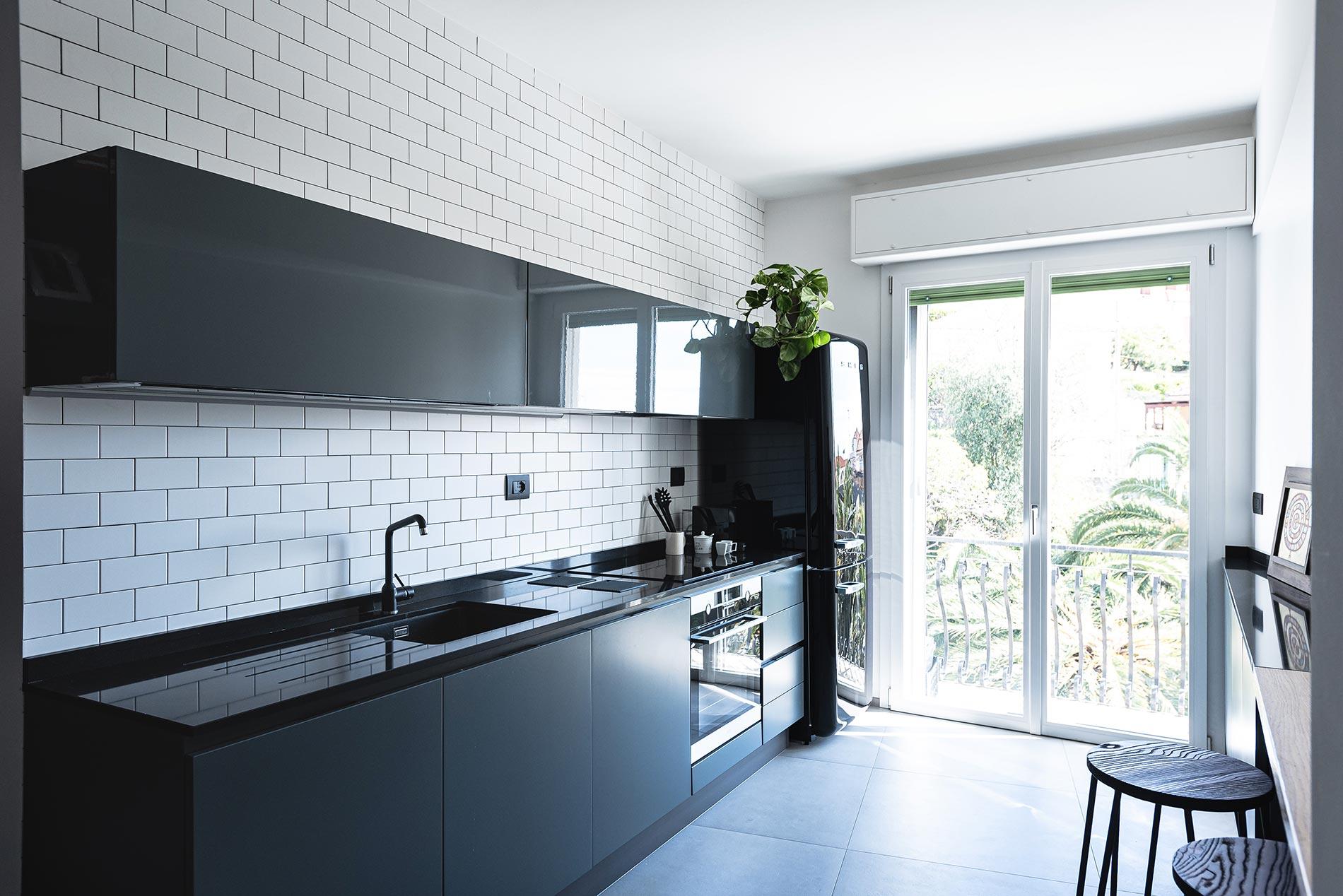 cucina su misura smeg nero